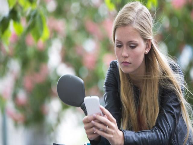 Telefon, tablet ve bilgisayarın yanlış kullanımı dirsek ağrılarını artıyor