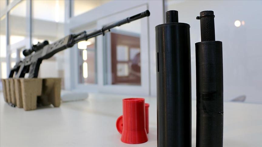 Ateşli silahlar için ses ve sarsıntı düzeyi düşük susturucu geliştirdiler