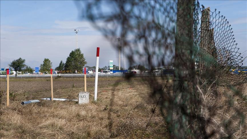 Avusturya, düzensiz göçle mücadele kapsamında doğu sınırlarındaki asker sayısını artıracak