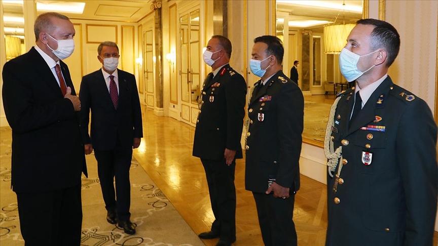 Cumhurbaşkanı Erdoğan, Azerbaycan Görev Grubu'ndaki askerleri kabul etti
