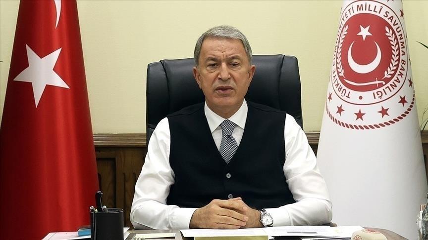 Milli Savunma Bakanı Akar'dan sınır hattında terörle mücadelede kararlılık mesajı
