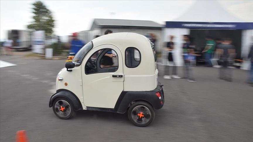 Robotaksi Binek Otonom Araç Yarışması'nda sürücüsüz araçlar piste çıktı