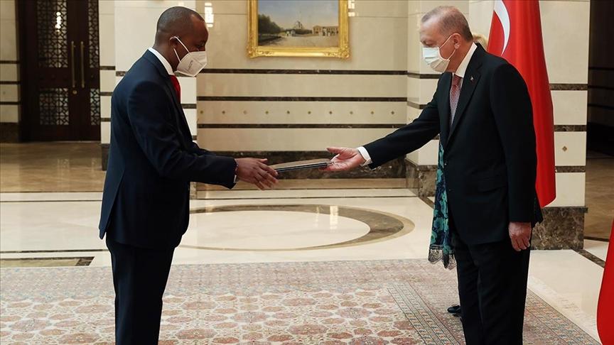 Ruanda'nın Ankara Büyükelçisi Mironko, Cumhurbaşkanı Erdoğan'a güven mektubu sundu
