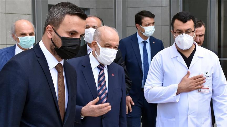 Saadet Partisi Genel Başkanı Karamollaoğlu, YİK Başkanı Asiltürk'ü hastanede ziyaret etti