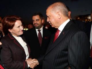 Erdoğan ve Akşener'den samimi anlar