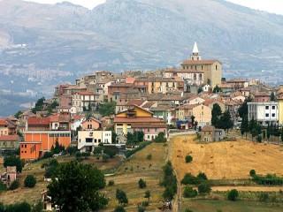 İtalya nüfusu azalan köylere yerleşip iş kuranlara 25 bin euro teşvik verecek