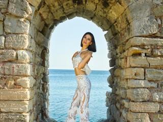Ziynet Sali'nin vokalistine single