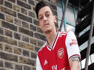 İngiliz basını duyurdu! Mesut Özil, Fenerbahçe forması giyecek