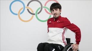 2020 Tokyo Paralimpik Oyunları'nda masa tenisi tek erkeklerde Abdullah Öztürk altın madalya kaz