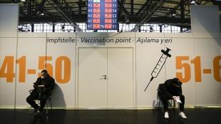 AB vatanlarında Kovid-19 aşısı tedarikindeki aksaklıklar tepkilere defa açtı