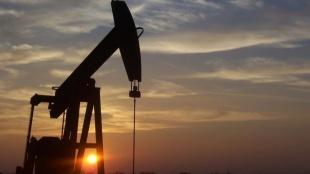ABD petrol fiyat tahminini yukarı yönlü revize etti