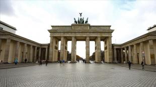 Almanya'da Merkel sonrası dönemin odağı ekonomideki dönüşüm