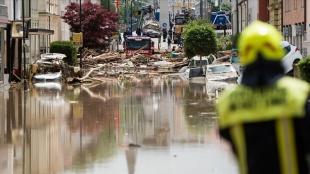 Almanya'da sel nedeniyle 6 binanın çökmesi sonucu 30 kişi aranıyor