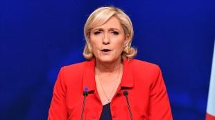 Aşırı sağcı Le Pen, Macron'u e-bildiriyle uyaran askerleri safına davet etti