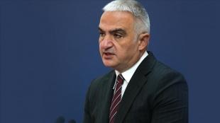 Bakan Ersoy: Türkiye, İngiltere'den gelecek misafirlerini güvenle ağırlamaya devam edecek