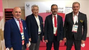 Bakan Kasapoğlu, Dünya Tekvando Federasyonu Başkanı Choue ile bir araya geldi