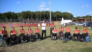 Bakan Kasapoğlu, paralimpik sporcuları ziyaret etti