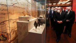 Bakan Varank '100 Objede İslam Bilim Tarihi Sergisi'ni gezdi