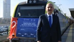 Bakü-Tiflis-Kars Demir Yolu'nda taşınan yük yılın ilk çeyreğinde katlanarak 155 bin tona yüksel