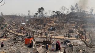 Bangladeş'te Arakanlı Müslümanların kaldığı kampta yangın çıktı