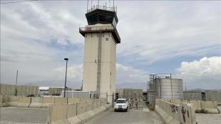Binlerce mahkumun bulunduğu Bagram Üssü'nde Afgan askerleri Taliban'a teslim oldu