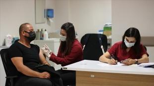 Birinci doz Kovid-19 aşısı olanların oranı 81 ilde yüzde 65'i geçti