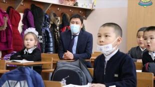 Bişkek'te okullarda karşı karşıya eğitim bölümsel yerine baştan başladı