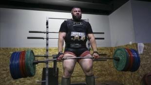 Bosna Hersek'in en güçlü adamı Ambeskovic, dünyanın en güçlüsü olmak için hazırlanıyor