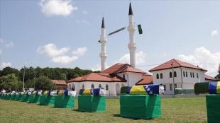 Bosna Hersek'teki savaşta Sırpların katlettiği 12 sivil daha toprağa verildi