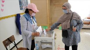 Cezayir'de nihai seçim sonuçlarında 7 sandalye kaybeden Ulusal Kurtuluş Cephesi liderliğini kor