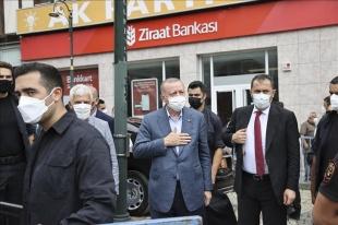 Cumhurbaşkanı Erdoğan cuma namazını Güneysu Merkez Camisi'nde kıldı