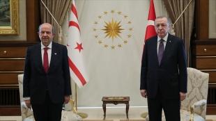 Cumhurbaşkanı Erdoğan'dan KKTC Cumhurbaşkanı Tatar'a bayram tebriği