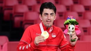 Cumhurbaşkanı Erdoğan'dan Tokyo Paralimpik Oyunları şampiyonu Abdullah Öztürk'e tebrik tel