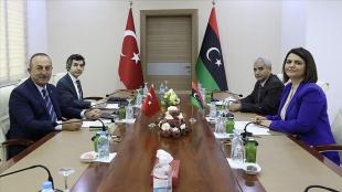 Dışişleri Bakanı Çavuşoğlu, Libyalı mevkidaşı el-Menguş ile görüştü
