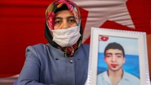 Diyarbakır annelerinden Çağmar: Oğlum gel kavuşalım, bu özlem bitsin
