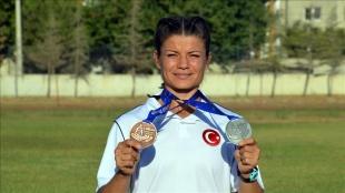 Dünya ikincisi işitme engelli atlet Aysun Akay'ın hedefi yaz olimpiyatları