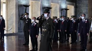 Emniyet Genel Müdürü Mehmet Aktaş ve beraberindekiler Anıtkabir'i ziyaret etti
