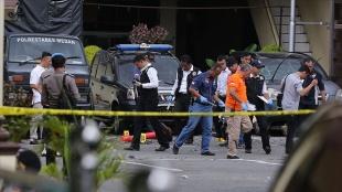 Endonezya'da kiliseye bombalı saldırı düzenlendi