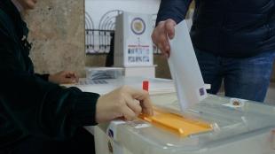 Ermenistan'da Karabağ hezimetinden sonra yarın parlamento seçimi için oy kullanılacak