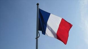 Fransız siyasetçi Rousseau: Fransa'da tesettür mayosundan bahsedilmeden Müslüman kadın konuşulm