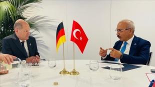 Hazine ve Maliye Bakanı Elvan, Almanya Başbakan Yardımcısı ve Maliye Bakanı Scholz ile görüştü