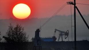 IEA: Küresel petrol talebi gelecek yıl günlük 3 milyon varil artacak