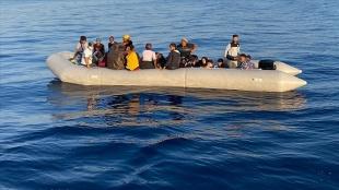 İngiltere göçmenleri taşıyan teknelere 'geri itme taktikleri' uygulamayı planlıyor