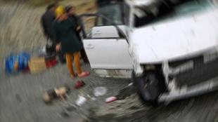 İran'ın kuzeybatısında gazetecileri taşıyan otobüs kaza yaptı: 2 ölü