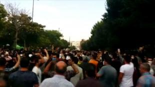 İran'ın Tebriz kentinden su kesintilerinin yaşandığı Huzistan'daki halka destek