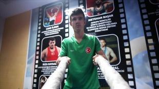 İşitme engelli genç güreşçi Yunus Emre'nin hedefi dünya şampiyonasında altın madalya