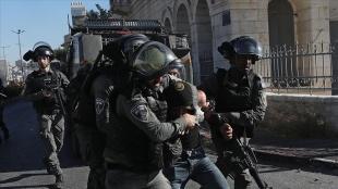 İsrail askerleri Batı Şeria'da 14 Filistinliyi gözaltına aldı