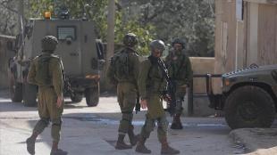 İsrail güçleri Batı Şeria ve Doğu Kudüs'te 25 Filistinliyi gözaltına aldı