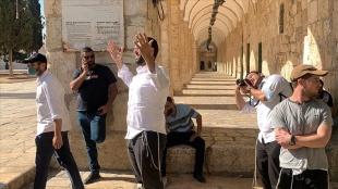 İsrail polisi korumasında binden fazla fanatik Yahudi Mescid-i Aksa'ya baskın düzenledi