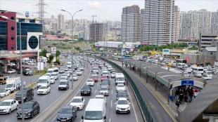 İstanbul haftanın ilk iş gününe yoğun trafikle başladı